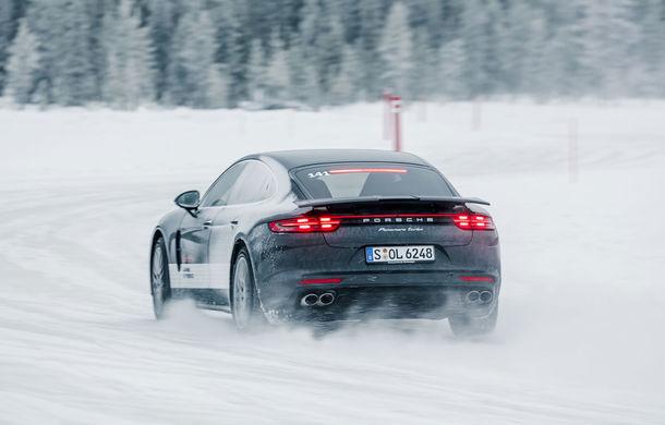 Valentine's Day în variantă masculină: drifturi pe gheață cu cele mai puternice modele Porsche - Poza 20