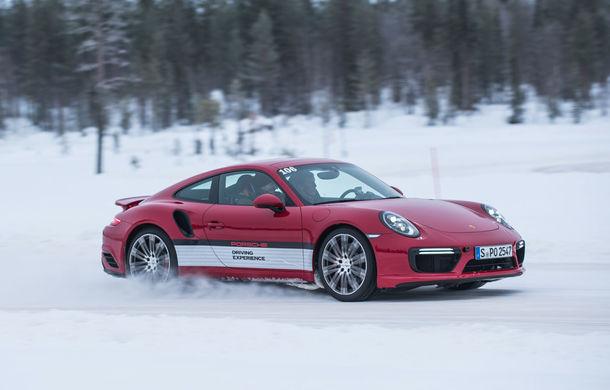 Valentine's Day în variantă masculină: drifturi pe gheață cu cele mai puternice modele Porsche - Poza 60