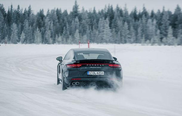 Valentine's Day în variantă masculină: drifturi pe gheață cu cele mai puternice modele Porsche - Poza 21
