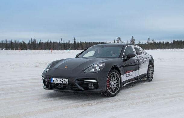 Valentine's Day în variantă masculină: drifturi pe gheață cu cele mai puternice modele Porsche - Poza 74