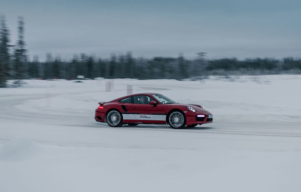 Valentine's Day în variantă masculină: drifturi pe gheață cu cele mai puternice modele Porsche - Poza 36