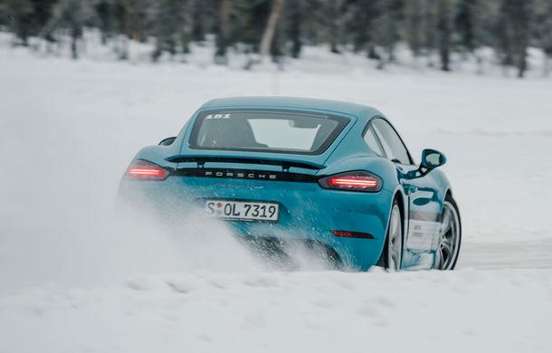 Valentine's Day în variantă masculină: drifturi pe gheață cu cele mai puternice modele Porsche - Poza 32