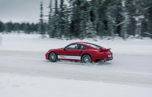 Valentine's Day în variantă masculină: drifturi pe gheață cu cele mai puternice modele Porsche - Poza 27
