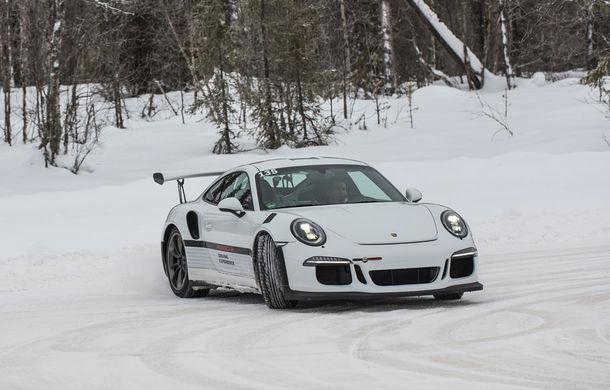 Valentine's Day în variantă masculină: drifturi pe gheață cu cele mai puternice modele Porsche - Poza 1