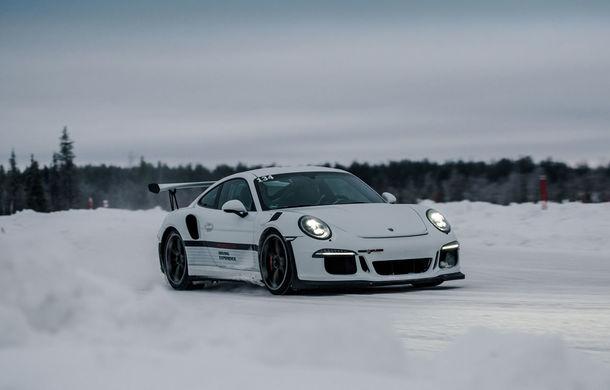 Valentine's Day în variantă masculină: drifturi pe gheață cu cele mai puternice modele Porsche - Poza 38