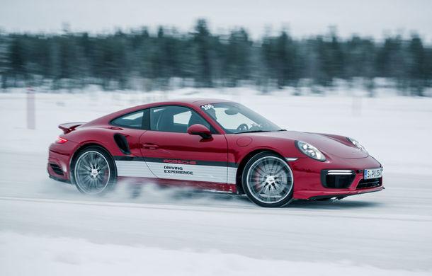 Valentine's Day în variantă masculină: drifturi pe gheață cu cele mai puternice modele Porsche - Poza 11