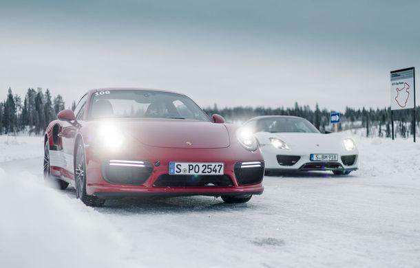 Valentine's Day în variantă masculină: drifturi pe gheață cu cele mai puternice modele Porsche - Poza 34