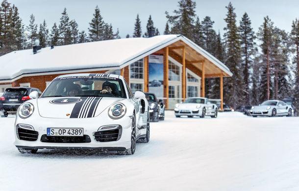 Valentine's Day în variantă masculină: drifturi pe gheață cu cele mai puternice modele Porsche - Poza 4