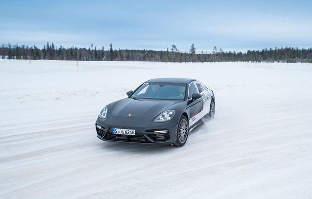 Valentine's Day în variantă masculină: drifturi pe gheață cu cele mai puternice modele Porsche - Poza 41