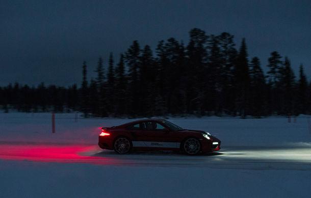 Valentine's Day în variantă masculină: drifturi pe gheață cu cele mai puternice modele Porsche - Poza 54