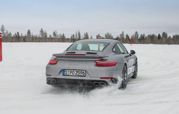 Valentine's Day în variantă masculină: drifturi pe gheață cu cele mai puternice modele Porsche - Poza 81