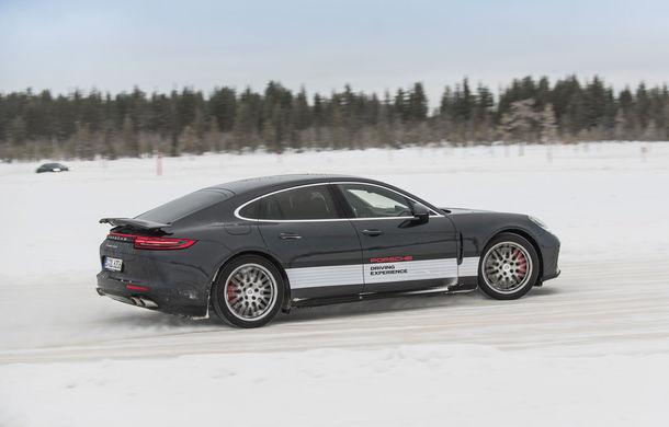 Valentine's Day în variantă masculină: drifturi pe gheață cu cele mai puternice modele Porsche - Poza 75