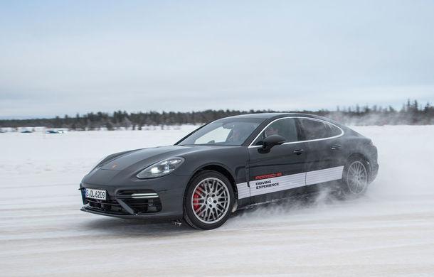 Valentine's Day în variantă masculină: drifturi pe gheață cu cele mai puternice modele Porsche - Poza 72