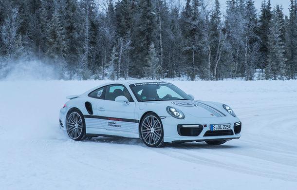 Valentine's Day în variantă masculină: drifturi pe gheață cu cele mai puternice modele Porsche - Poza 39