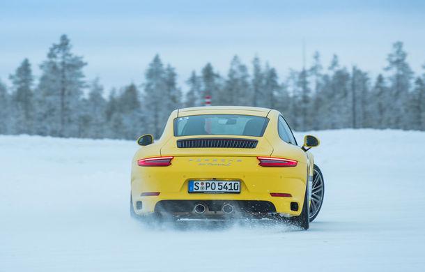 Valentine's Day în variantă masculină: drifturi pe gheață cu cele mai puternice modele Porsche - Poza 87