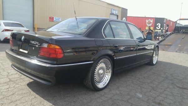 Mașina în care a fost asasinat Tupac se vinde cu 1.5 milioane de dolari - Poza 3
