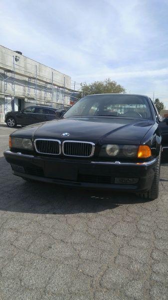 Mașina în care a fost asasinat Tupac se vinde cu 1.5 milioane de dolari - Poza 2