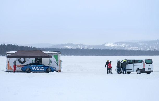 """Lecție de supraviețuire: am vizitat """"Iadul Alb"""", centrul de testare al anvelopelor de iarnă Nokian - Poza 13"""