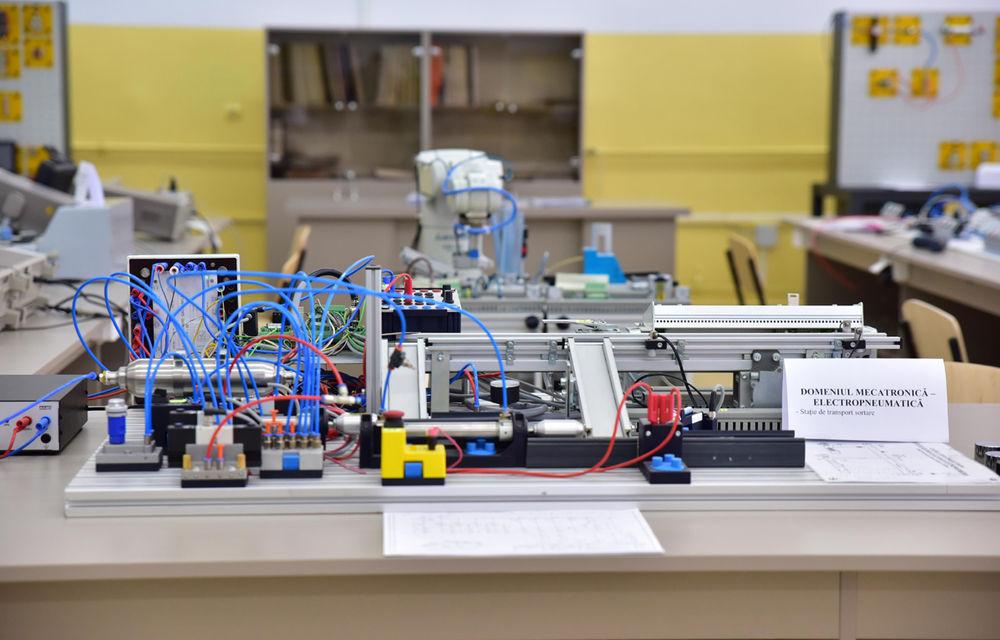 Ford educă tinerii pentru o carieră în industria auto: compania a inaugurat un Laborator de Mecatronică la un colegiu din Craiova - Poza 2