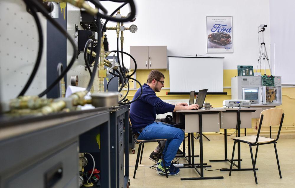 Ford educă tinerii pentru o carieră în industria auto: compania a inaugurat un Laborator de Mecatronică la un colegiu din Craiova - Poza 5