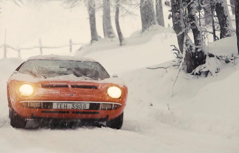 Bătrânul Lamborghini Miura încă mai poate: drifturi pe un drum acoperit de zăpadă (VIDEO) - Poza 2