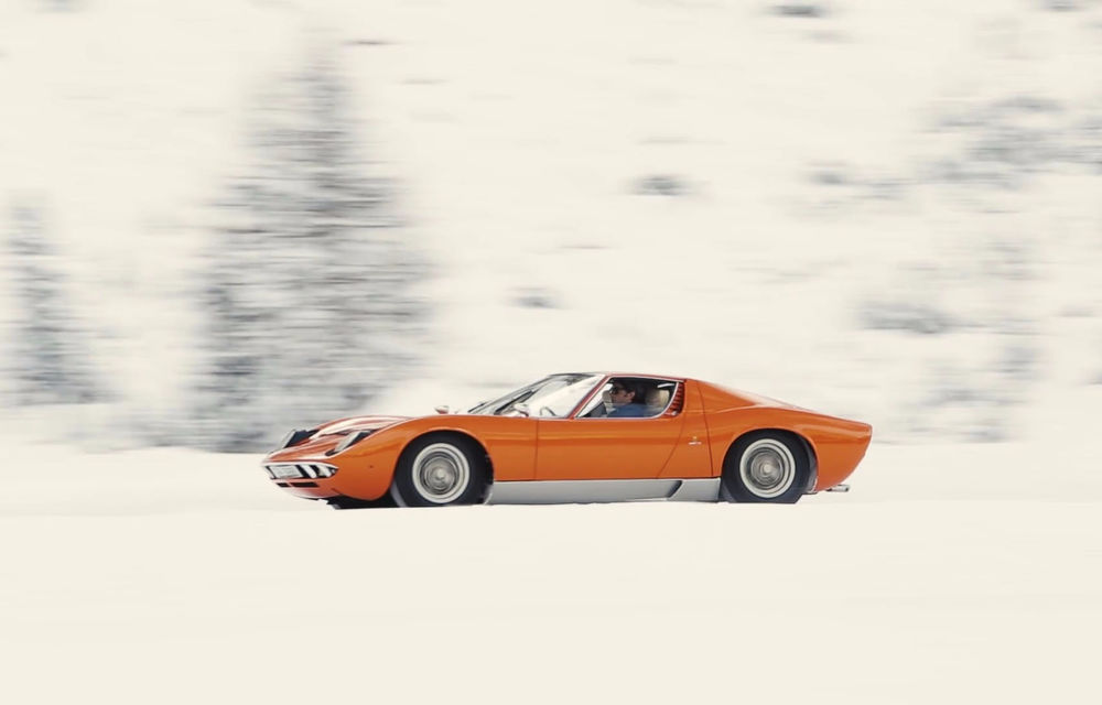 Bătrânul Lamborghini Miura încă mai poate: drifturi pe un drum acoperit de zăpadă (VIDEO) - Poza 3