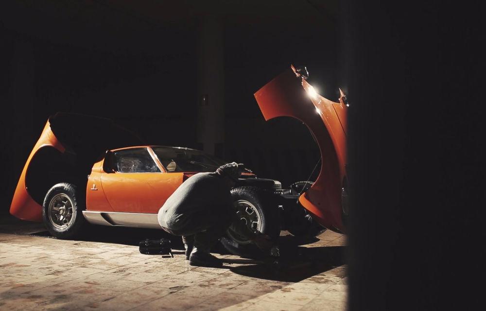 Bătrânul Lamborghini Miura încă mai poate: drifturi pe un drum acoperit de zăpadă (VIDEO) - Poza 6