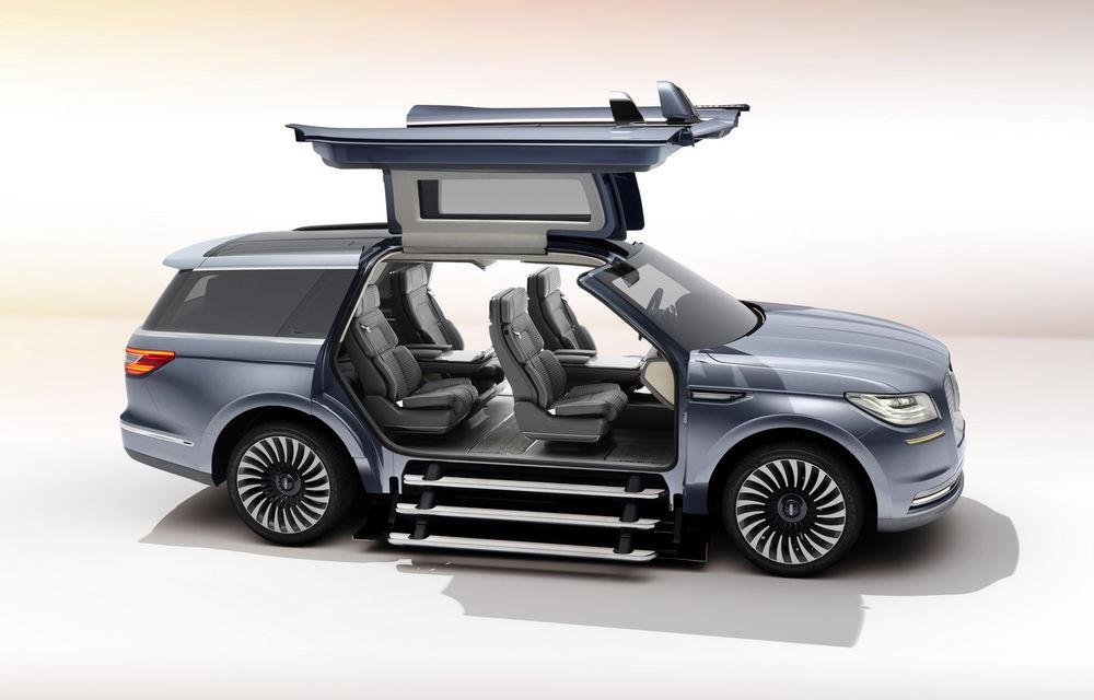 Se reaprinde un duel american 100%: noul Lincoln Navigator promite să fie mai bun decât actualul Cadillac Escalade - Poza 2
