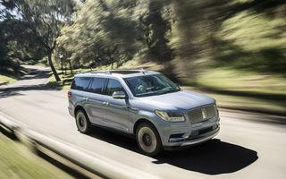 Lincoln Navigator se va putea bate din nou cu Cadillac Escalade: tehnologie de top furnizată de Ford și un motor de 450 de cai putere