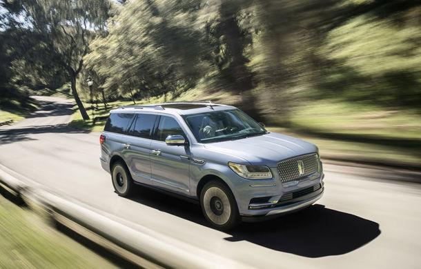 Lincoln Navigator se va putea bate din nou cu Cadillac Escalade: tehnologie de top furnizată de Ford și un motor de 450 de cai putere - Poza 1