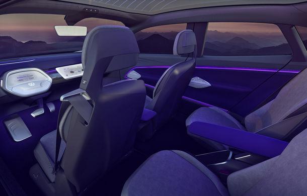 Volkswagen continuă seria conceptelor electrice din gama ID: noul Crozz este un SUV electric cu autonomie de 500 de kilometri - Poza 24