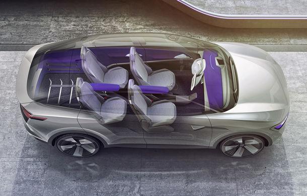 Volkswagen continuă seria conceptelor electrice din gama ID: noul Crozz este un SUV electric cu autonomie de 500 de kilometri - Poza 19