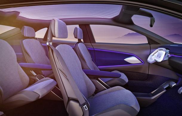 Volkswagen continuă seria conceptelor electrice din gama ID: noul Crozz este un SUV electric cu autonomie de 500 de kilometri - Poza 25