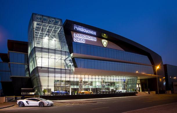 Cel mai mare showroom Lamborghini a fost deschis în Dubai: are 3 etaje și 1.800 de metri pătrați - Poza 2