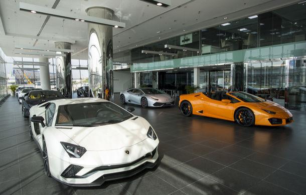Cel mai mare showroom Lamborghini a fost deschis în Dubai: are 3 etaje și 1.800 de metri pătrați - Poza 9