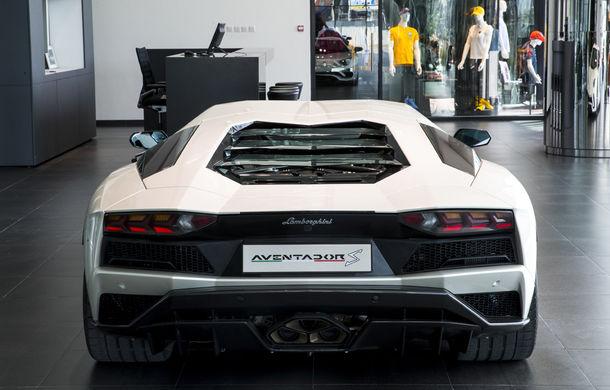 Cel mai mare showroom Lamborghini a fost deschis în Dubai: are 3 etaje și 1.800 de metri pătrați - Poza 6