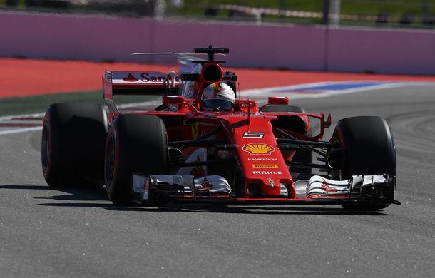 Vettel va pleca din pole position în Rusia! Ferrari monopolizează prima linie a grilei de start pentru prima oară după 2008 - Poza 1