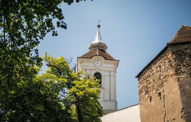 Un german în Transilvania: biserici cu ziduri de apărare înalte de 12 metri, un castel părăsit și idilicul Viscri - Poza 22