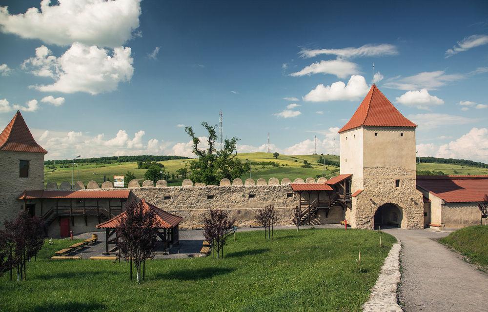 Un german în Transilvania: biserici cu ziduri de apărare înalte de 12 metri, un castel părăsit și idilicul Viscri - Poza 33