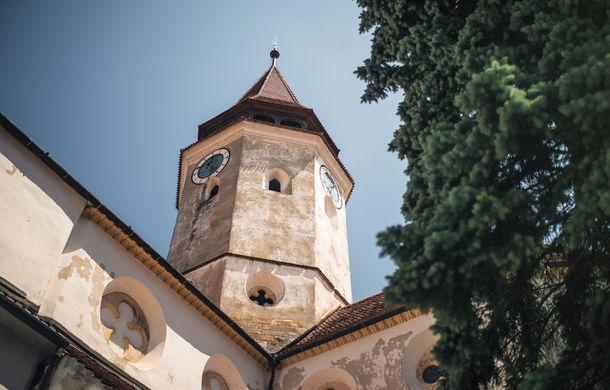 Un german în Transilvania: biserici cu ziduri de apărare înalte de 12 metri, un castel părăsit și idilicul Viscri - Poza 17