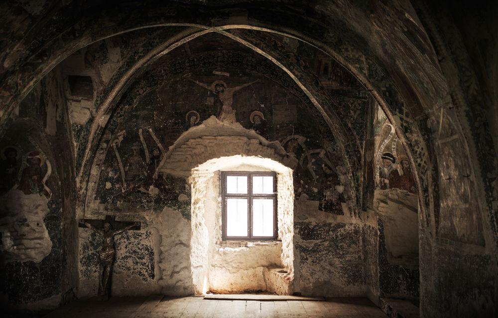 Un german în Transilvania: biserici cu ziduri de apărare înalte de 12 metri, un castel părăsit și idilicul Viscri - Poza 7