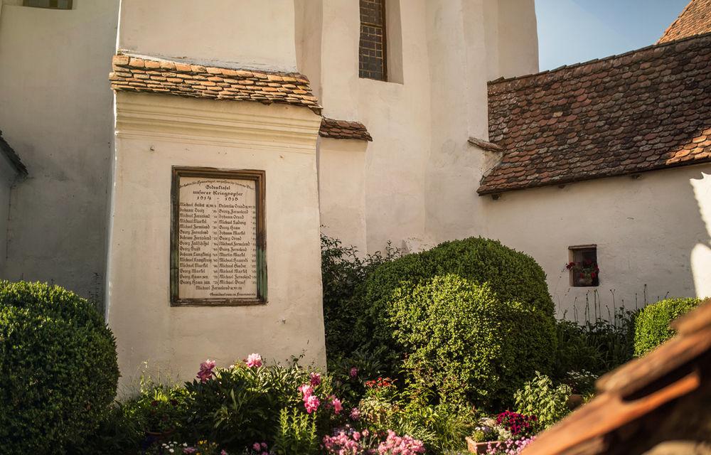 Un german în Transilvania: biserici cu ziduri de apărare înalte de 12 metri, un castel părăsit și idilicul Viscri - Poza 41