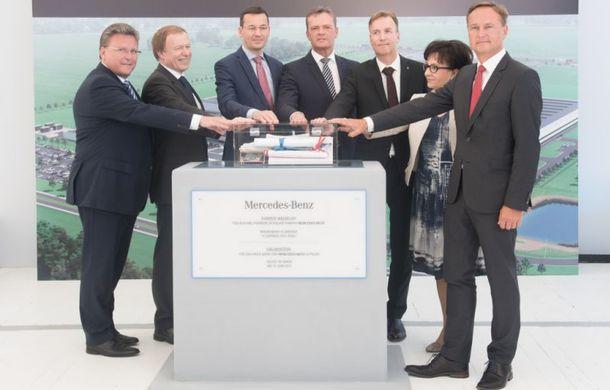 Polonezii jubilează: Mercedes-Benz a început construcția fabricii de motoare din Jawor - Poza 2