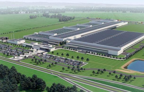 Polonezii jubilează: Mercedes-Benz a început construcția fabricii de motoare din Jawor - Poza 1