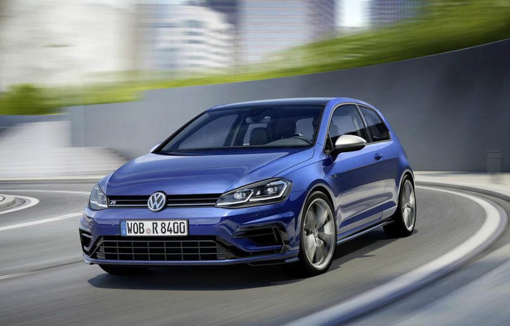 Aluat nou pentru viitoarele generații Volkswagen Golf GTI și R: sportivele vor fi mai ușoare și vor avea cu 40 de cai putere în plus - Poza 1