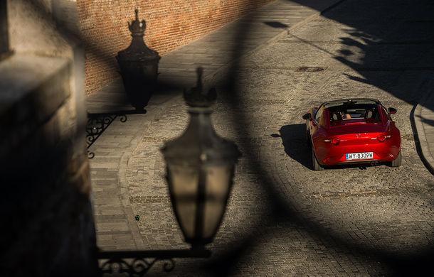 Odă Bucuriei. O zi cu Mazda MX-5 pe Transfăgărășan - Poza 73