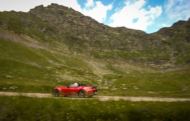 Odă Bucuriei. O zi cu Mazda MX-5 pe Transfăgărășan - Poza 49
