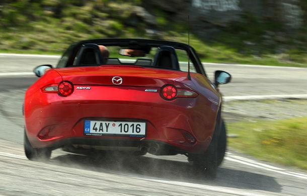 Odă Bucuriei. O zi cu Mazda MX-5 pe Transfăgărășan - Poza 7