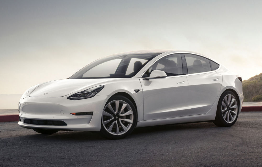 """Opţiunile """"ascunse"""" în sistemul de infotainment la noul Tesla Model 3 – VIDEO"""