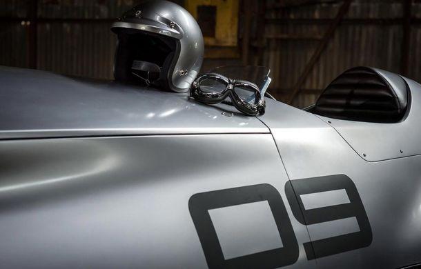 Prototip cu influențe retro: Infiniti aduce la Pebble Beach un concept inspirat de începuturile motorsportului - Poza 1